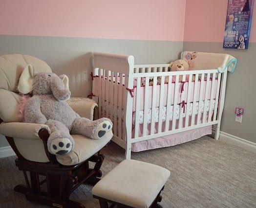 Jak urządzić sypialnie niemowlaka?